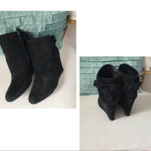 HipFinds Shoes - 🍂Ebony Bow Tie Wedge Booties